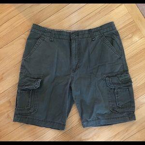 UNIONBAY Shorts - Men's Union Bay Cargo Shorts size 40